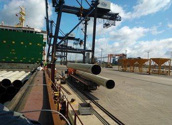 At SITV Port, Việt Nam